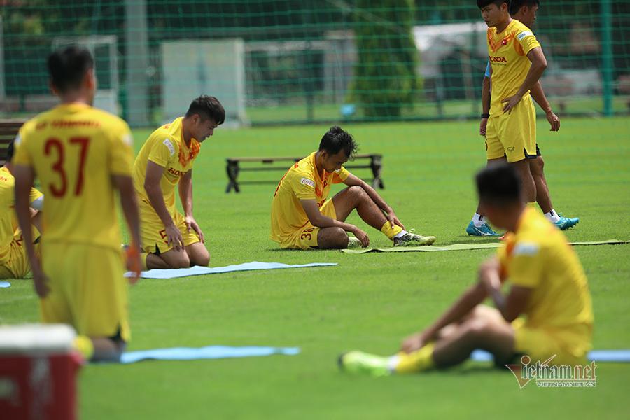 Thầy Park ra tay, U22 Việt Nam 'hành xác' giữa trưa