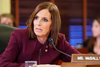 Nghị sĩ Mỹ kêu gọi người ủng hộ nhịn ăn để góp tiền tranh cử