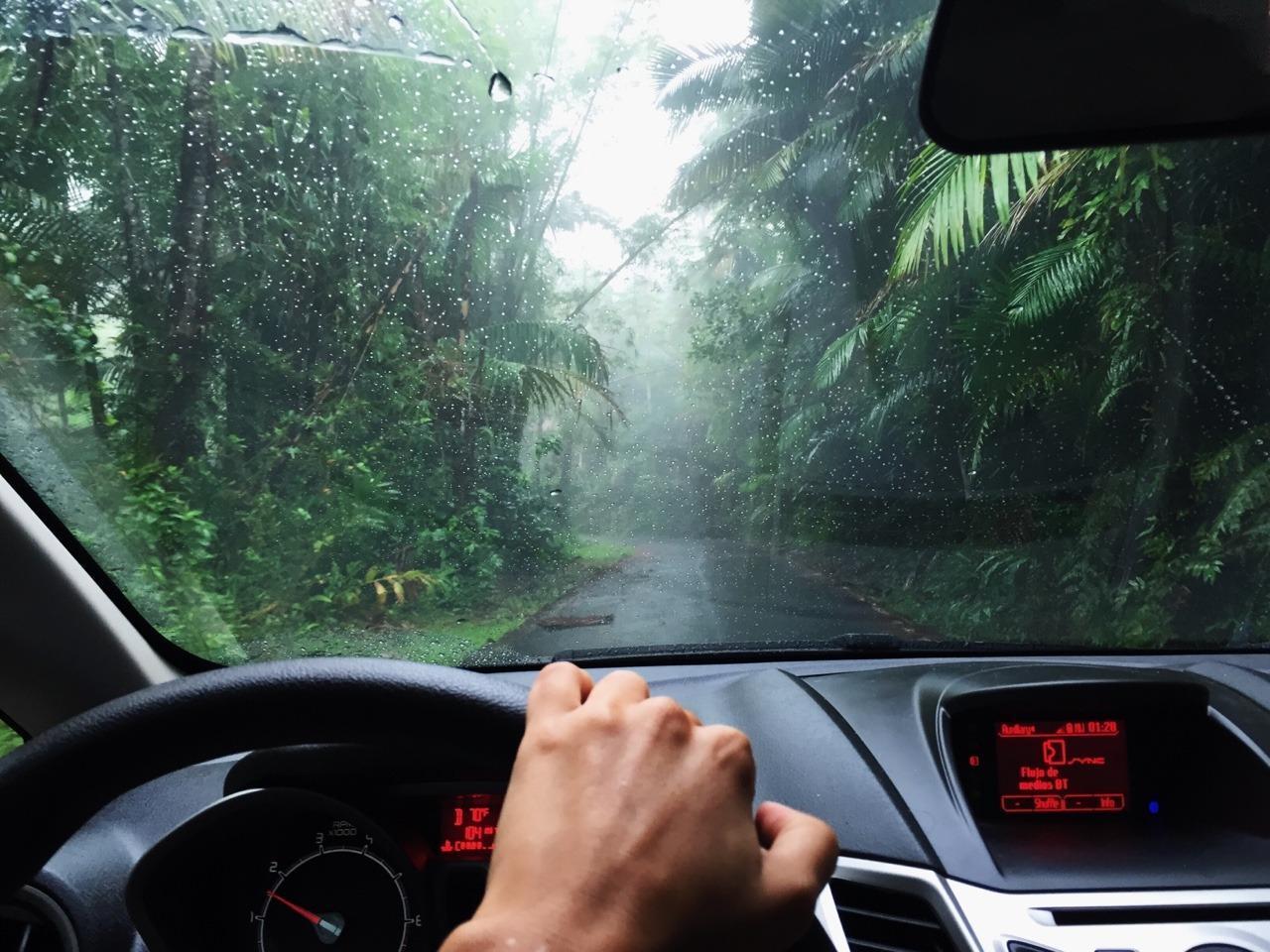 Mẹo hay giúp bảo vệ xế cưng trong mùa mưa gió