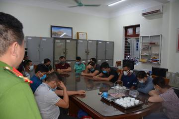 Nhóm người Trung Quốc bị truy nã vượt biên vào Việt Nam tổ chức đánh bạc