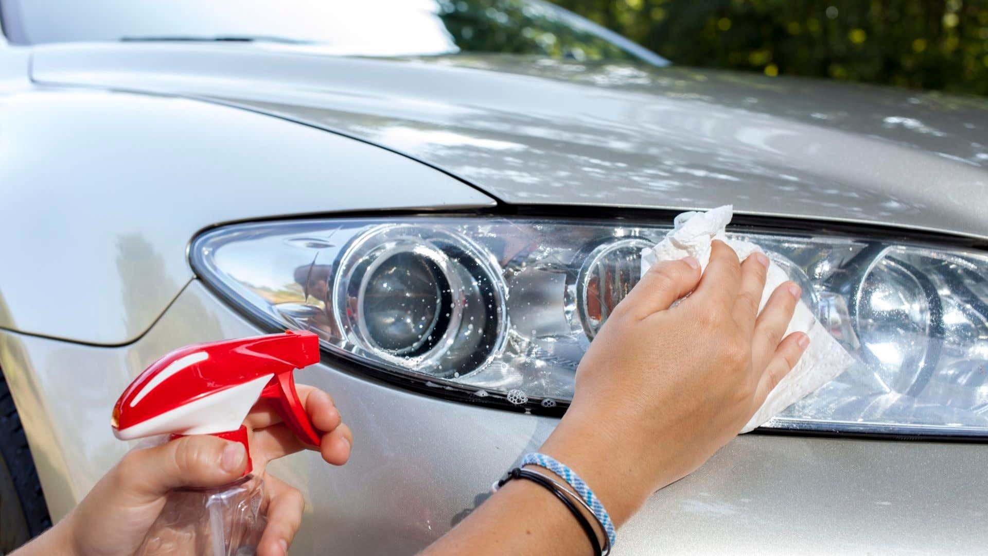 Đánh bóng đèn pha ô tô chỉ với những nguyên liệu rẻ tiền