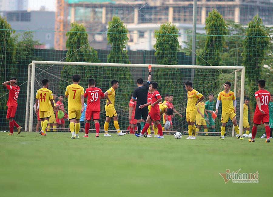 U22 Việt Nam đấu tập 'căng' quá mức cần thiết