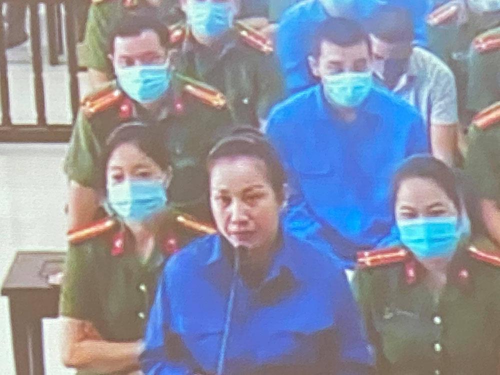 Nữ đại gia Nguyễn Thị Dương nhiều lần bật khóc trước toà