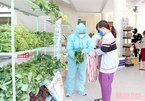 Mobilesupermarket gives free food to poor people in Da Nang
