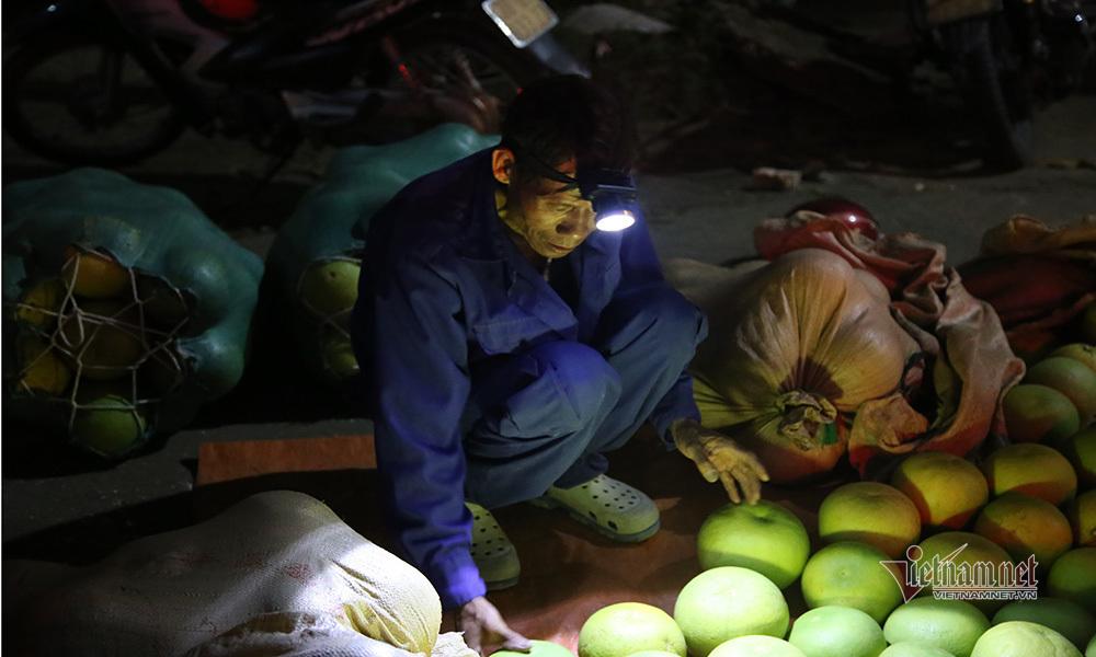 Đặc sản rớt giá, rẻ nhất 20 năm qua, dân soi đèn đi chợ thâu đêm