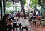 Nhiều hàng quán ở Hà Nội chưa thực hiện giãn cách, nguy cơ nhiễm Covid-19 rất cao