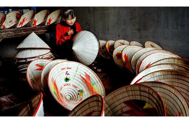 Ren conical hat-making village in Phu Tho
