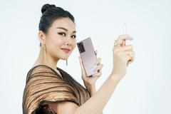 Ngẫu hứng với Galaxy Note20, Thanh Hằng khoe ảnh đẹp như bìa tạp chí