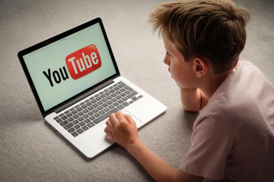 Cách bật chế độ hạn chế video nhạy cảm, bạo lực trên YouTube