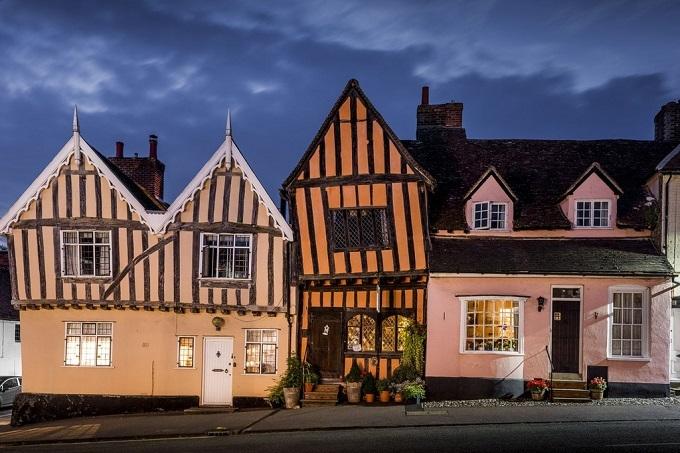 Ngôi làng xiêu vẹo ở Anh