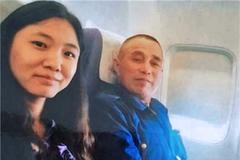 Nữ tiến sĩ trẻ bỏ giàu sang, trả ơn cho cha nuôi bị ung thư