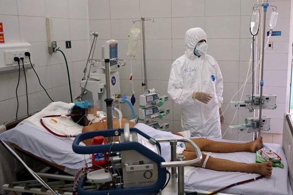 Bệnh nhân 416 đông đặc phổi, có thể phải ghép phổi