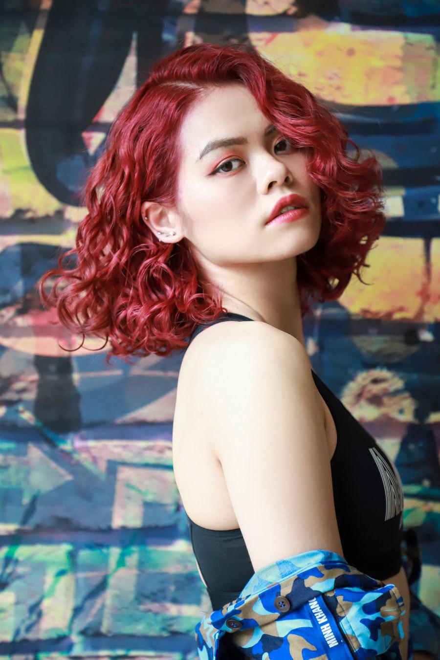 Các kiểu tóc xoăn ấn tượng Thu Đông 2020