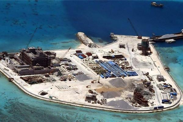 Mỹ trừng phạt loạt công ty Trung Quốc xây đảo nhân tạo ở Biển Đông