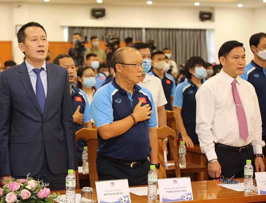 HLV Park Hang Seo nhận Huân chương Lao động hạng Nhì