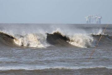 Siêu bão ập tới, Mỹ cảnh báo sức tàn phá 'không thể sống sót'