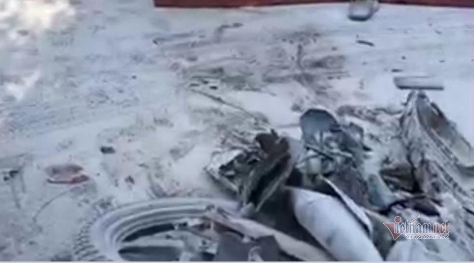 Xe máy bốc cháy sau va chạm với xe bồn, một người thiệt mạng