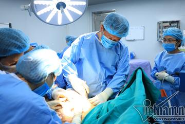 Người phụ nữ vòng ngực 1m được phẫu thuật thay đổi vóc dáng