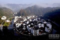 10 ngôi làng cực 'dị' hút khách nhất Trung Quốc