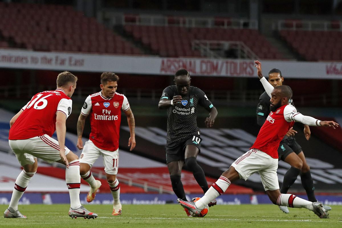 Liverpool đấu Arsenal: Jurgen Klopp đau đầu vì tiền