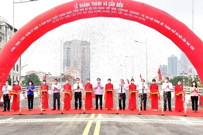Thông xe cầu vượt 560 tỷ, quy mô lớn nhất Hà Nội