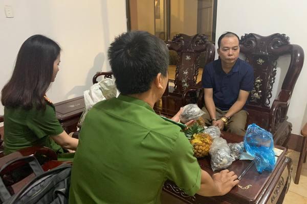 3kg thuốc phiện nhồi trái dứa, con nghiện vác lên xe khách vào Đắk Lắk