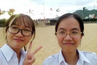 Hai chị em sinh đôi dẫn đầu kỳ thi tốt nghiệp THPT tỉnh Bình Định