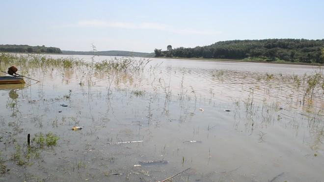 Cán bộ xã đuối nước tử vong khi thả cá ở hồ thủy điện