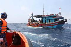 Vietnam Coast Guard ready to assist fishermen in all situations at sea