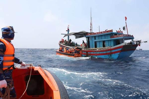 Các hành vi bị nghiêm cấm trong Luật Cảnh sát biển Việt Nam