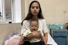Tiếng khóc xé lòng của bé trai 8 tháng tuổi ung thư mắt