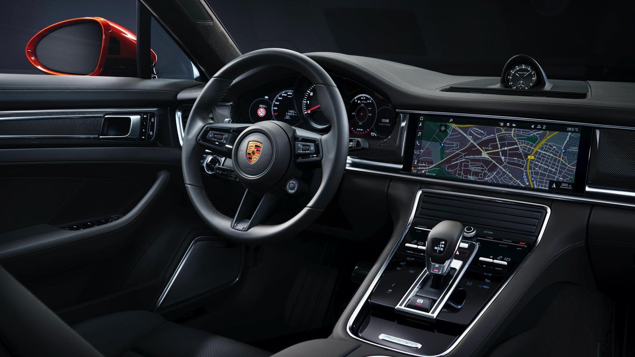Siêu xe Porsche Panamera 2021 trình làng với nhiều nâng cấp