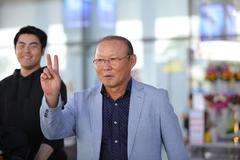 Nóng chuyện lương của thầy Park: Ai mới là ác ý?