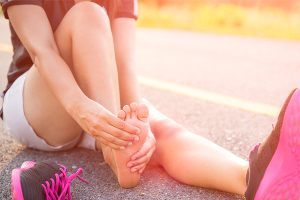Nhìn bàn chân, bắt bệnh ẩn giấu trong người