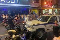 Nguyên nhân xe công an phường gây tai nạn liên hoàn trên phố đi bộ Bùi Viện