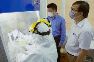 Lọc hóa dầu Bình Sơn bàn giao dàn máy xét nghiệm SARS-CoV-2