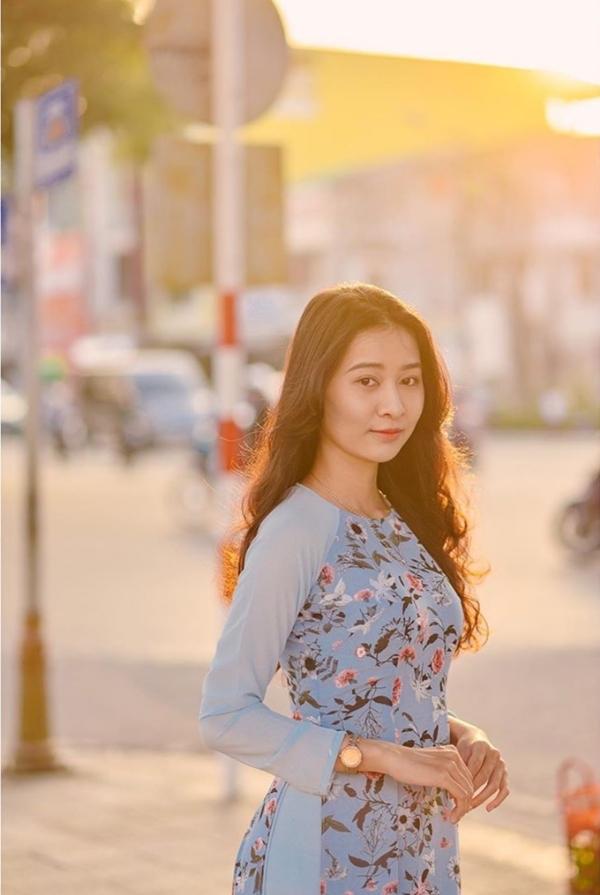 Hai 'nàng thơ xứ Huế' xinh đẹp, học giỏi đặc cách vào chung khảo HHVN