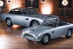 Xe đồ chơi Aston Martin DB5 Junior đắt không kém gì xe thật