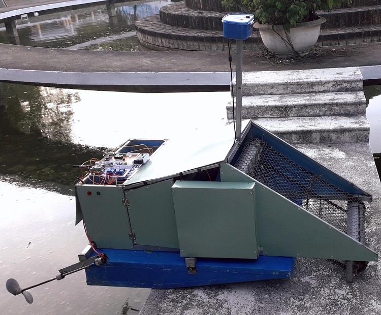 Hệ thống nhặt rác biển thông minh của sinh viên Đà Nẵng