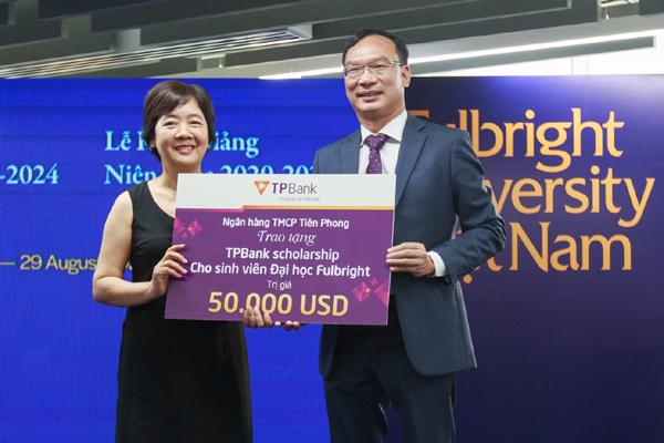 TPBank trao học bổng 50.000 USD cho sinh viên ĐH Fulbright Việt Nam