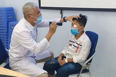 Phẫu thuật thành công cho bé trai bị lồi mắt trái ra ngoài vì tai nạn