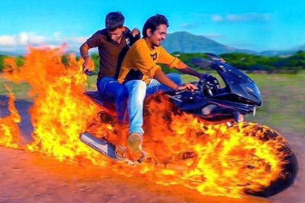 """Thanh niên Ấn Độ đốt xe bắt chước phim """"Ma tốc độ"""""""