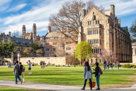 Đại học Ivy League bị cáo buộc thiên vị tuyển sinh