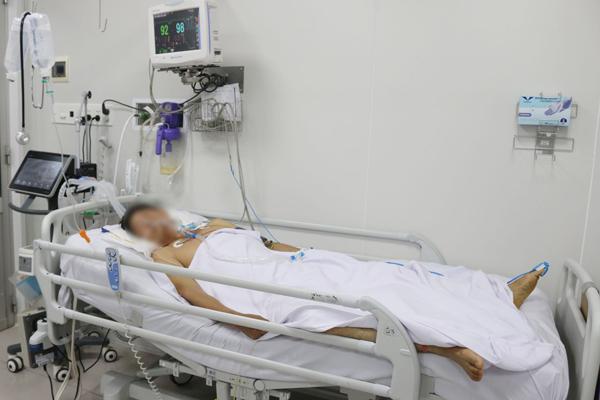 Thêm bệnh nhân suy hô hấp, tay chân yếu liệt do ngộ độc pate Minh Chay