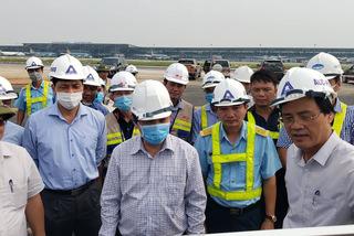 Bộ trưởng Thể phê bình tư vấn sửa đường băng sân bay Nội Bài