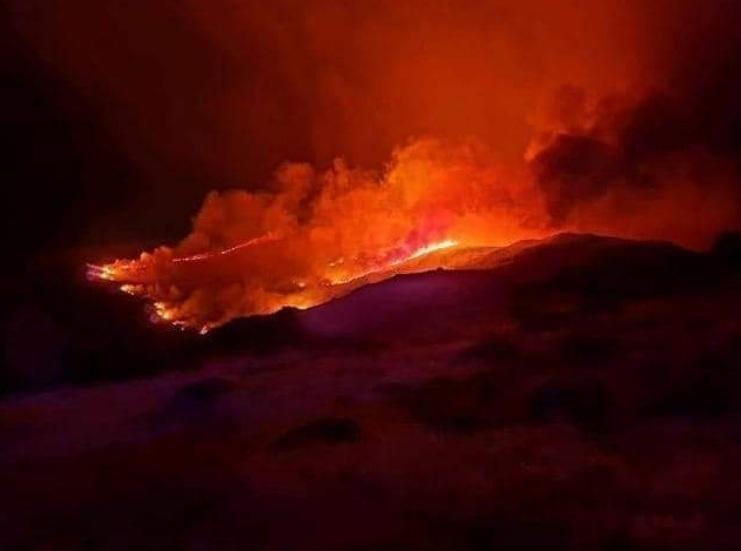 Cháy rừng dữ dội, hàng nghìn người Tây Ban Nha phải đi sơ tán