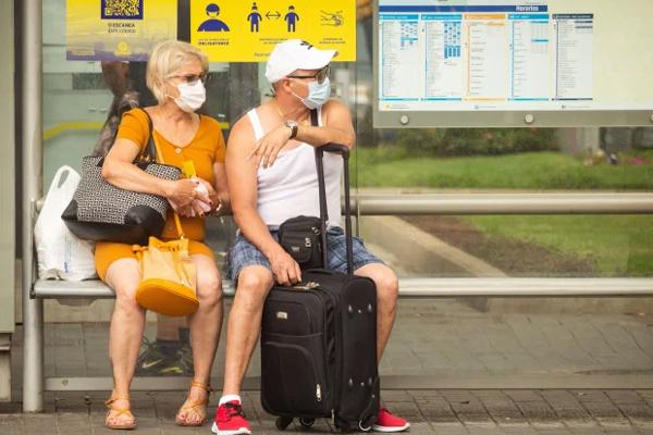 Khách du lịch siêu lây nhiễm nCoV cho 140 người