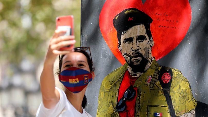 Messi được Barca trả 'tự do' với điều kiện không tưởng