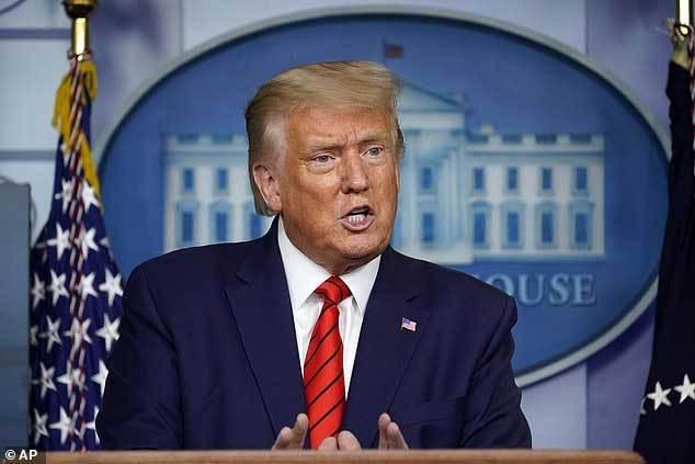 """Chiến thuật """"tất tay"""" hạ bệ ông Trump của đảng Dân chủ"""