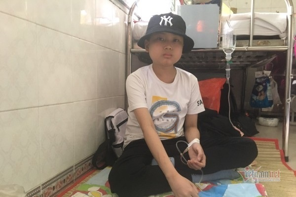 8 năm ung thư, cậu bé khổ sở giấu mình trong 'vỏ kén'